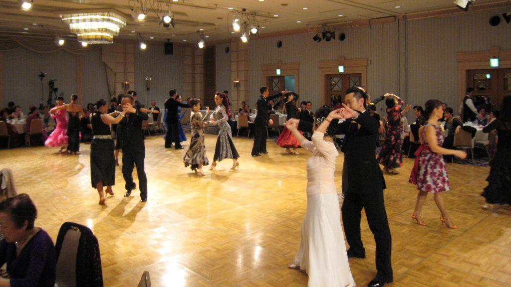 ダンススタジオナリタの入門コースの様子